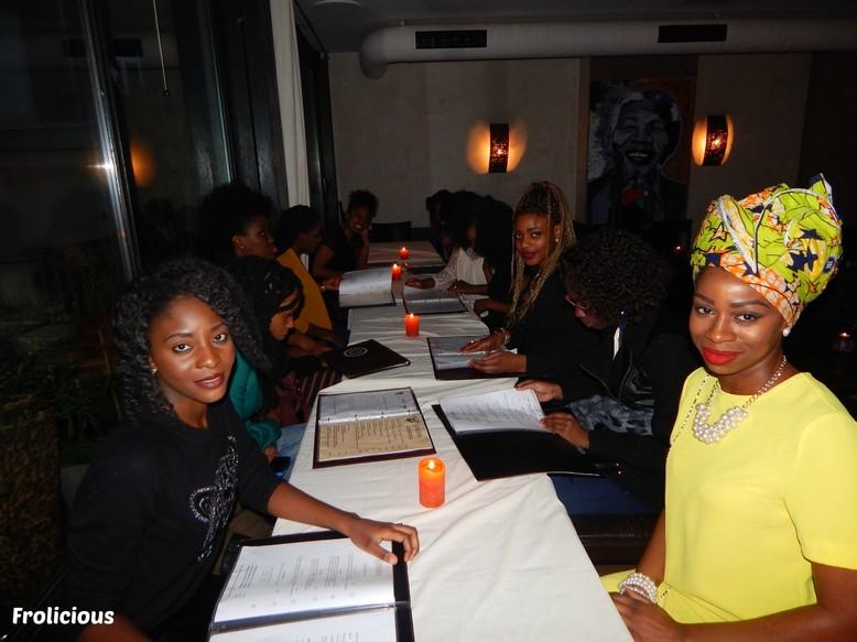 frolicious-beauties-beim-afromäßig-schön-dinner3